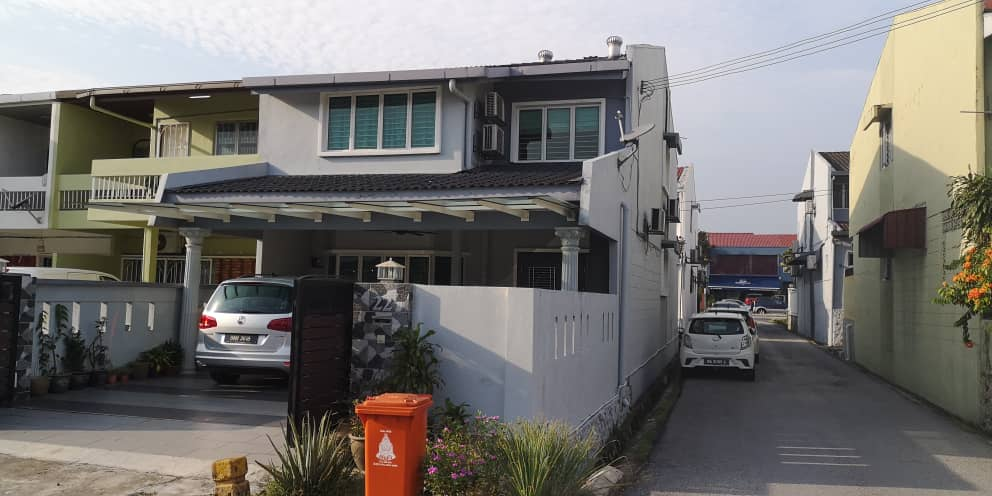 Two storey terrace house(End Lot) at SS2